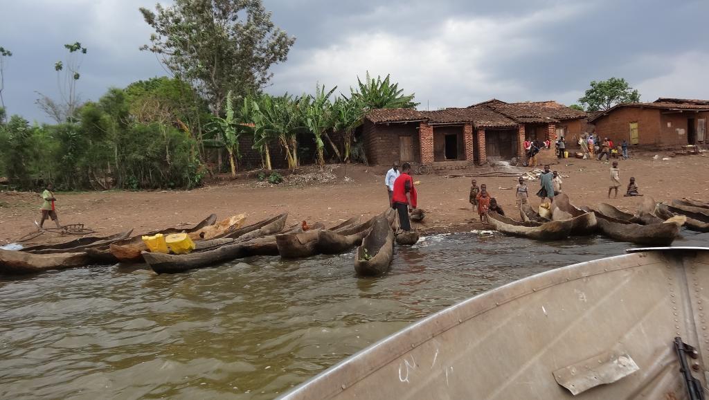 Petit port de pêche burundais sur le lac Rweru, où ont été enterrés les quatre cadavres. RFI / Esdras Ndikumana