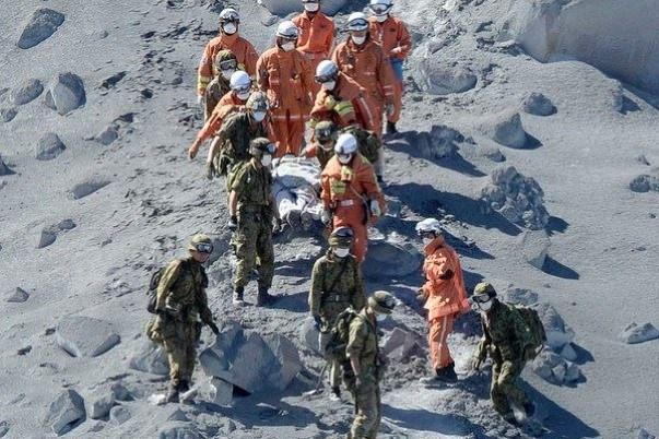 Japon : l'éruption meurtrière du Mont Ontake