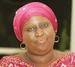 """Fondation """"Servir le Sénégal"""" vers le trou: Conspuée, accusée, Marième Faye Sall prête à lacher, Penda Mbow s'oppose"""