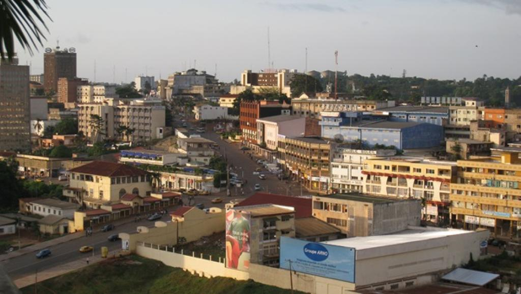 Vue du centre de Yaoundé, capitale du Cameroun. wikipedia