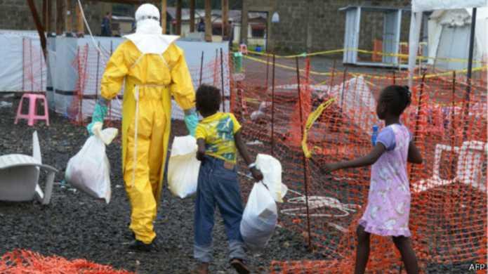 """Ebola, """"des milliers d'orphelins"""""""