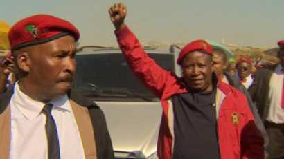 Malema est accusé de s'être personnellement enrichi lors d'un appel d'offre provincial truqué pour l'entretien des routes du Limpopo.