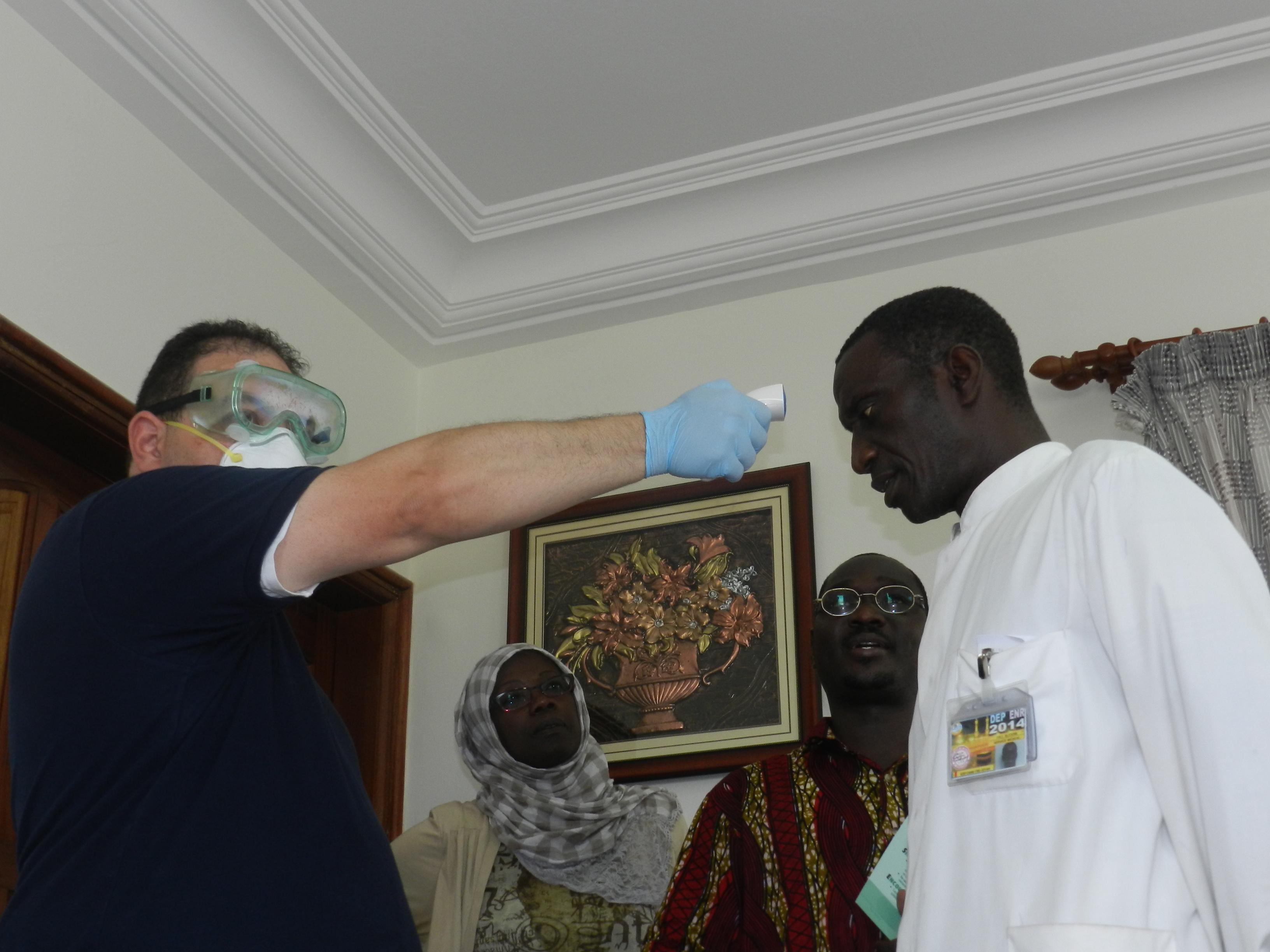 Les ADS profitent de l'expertise américaine pour barrer la route à Ebola