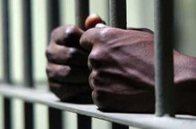 Corruption : Un garde pénitentiaire dénoncé par un trafiquant de drogue arrêté pour 50.000 FCFA