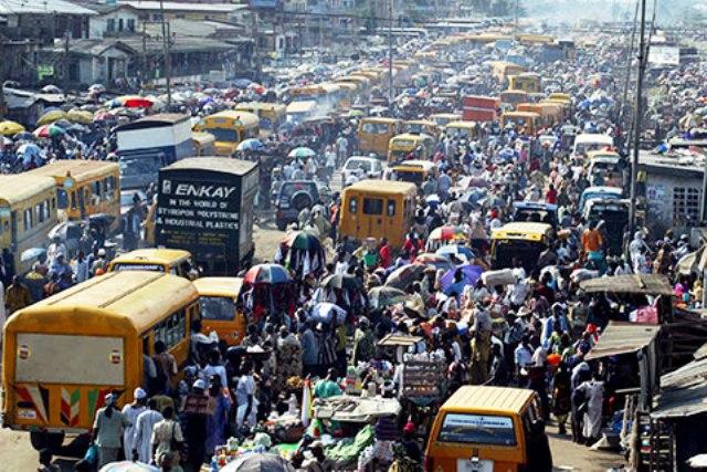 Ebola et terrorisme inquiètent mais les chiffres de la croissance de l'Afrique redonnent l'espoir