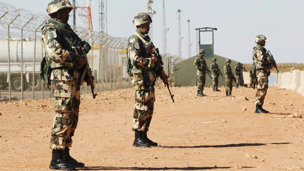 Face au terrorisme, les militaires algériens sont appelés à faire preuve de plus de vigilance. REUTERS/Louafi Larbi