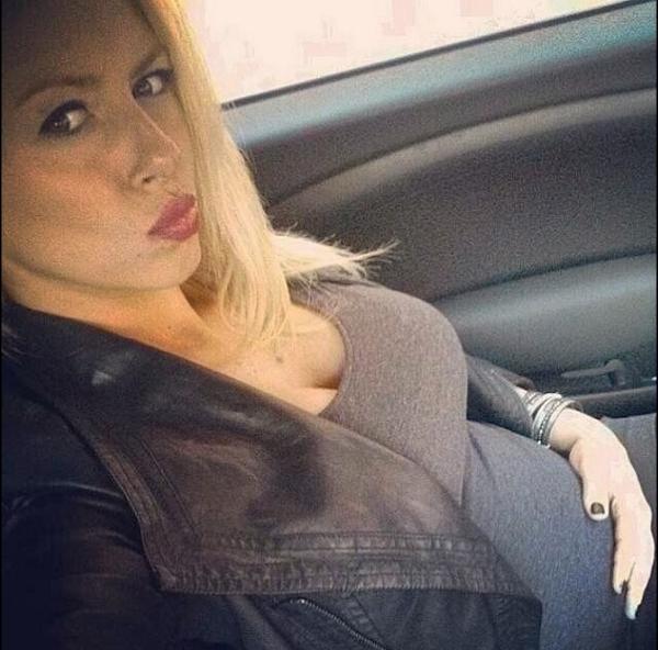 Stéphanie Clerbois : un joli ventre bien arrondi pour la bombe de Secret Story !