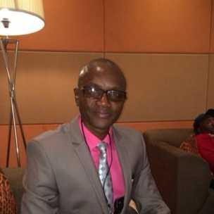 Le correspondant de la BBC en Sierra Leone Umaru Fofana a répondu à vos questions sur Ebola.