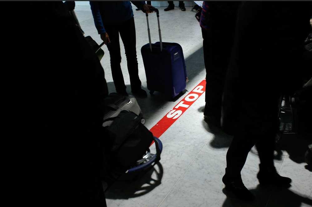 Ebola: un cas possible détecté à l'aéroport de Roissy ce samedi