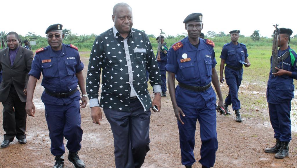 Le ministre de l'Intérieur, Richard Muyej, arrive à Béni le 19 octobre, pour rencontrer la population qui a subi plusieurs massacres ces dernières semaines. AFP PHOTO/ALAIN WANDIMOYI