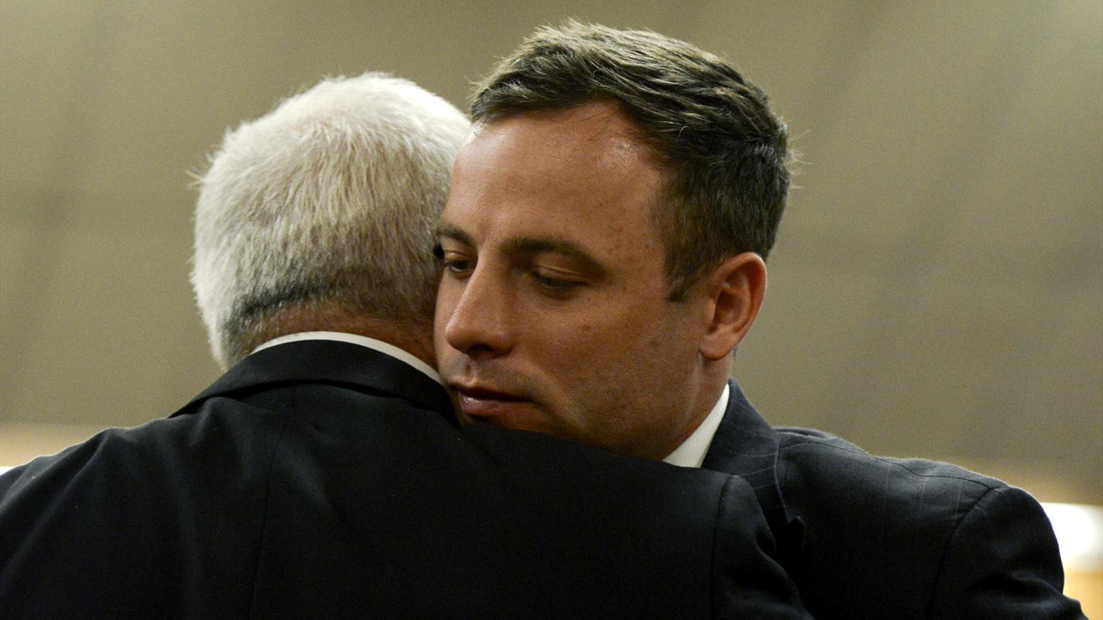 Athlétisme : Oscar Pistorius condamné à 5 ans de prison ferme pour l'homicide involontaire