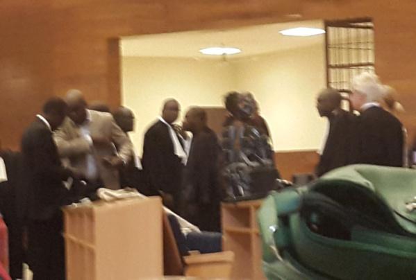 Direct procès de Karim: le Président Henry Grégoire Diop hausse le ton contre le service d'ordre