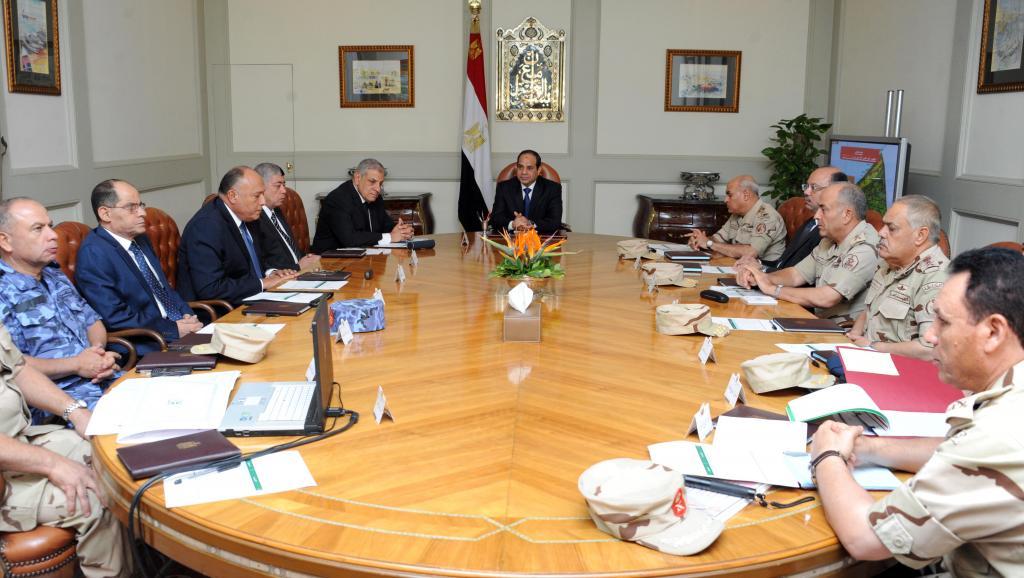 Réunion du Conseil national de sécurité égyptien, autour du président Sissi, le 24 octobre 2014. AFP PHOTO/ HO/ EGYPTIAN PRESIDENCY