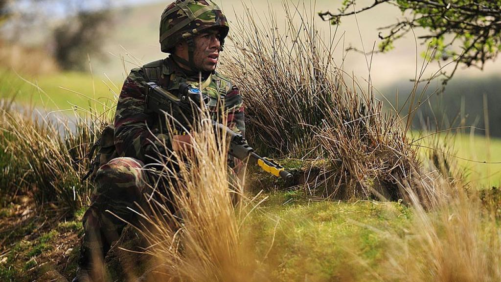 Un soldat des forces armées royales marocaines à l'entraînement. Source Wikipedia