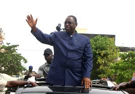 """Macky Sall en tournée : """" vous êtes le Sénégal qui travaille... je ne suis pas venu pour une campagne électorale"""""""