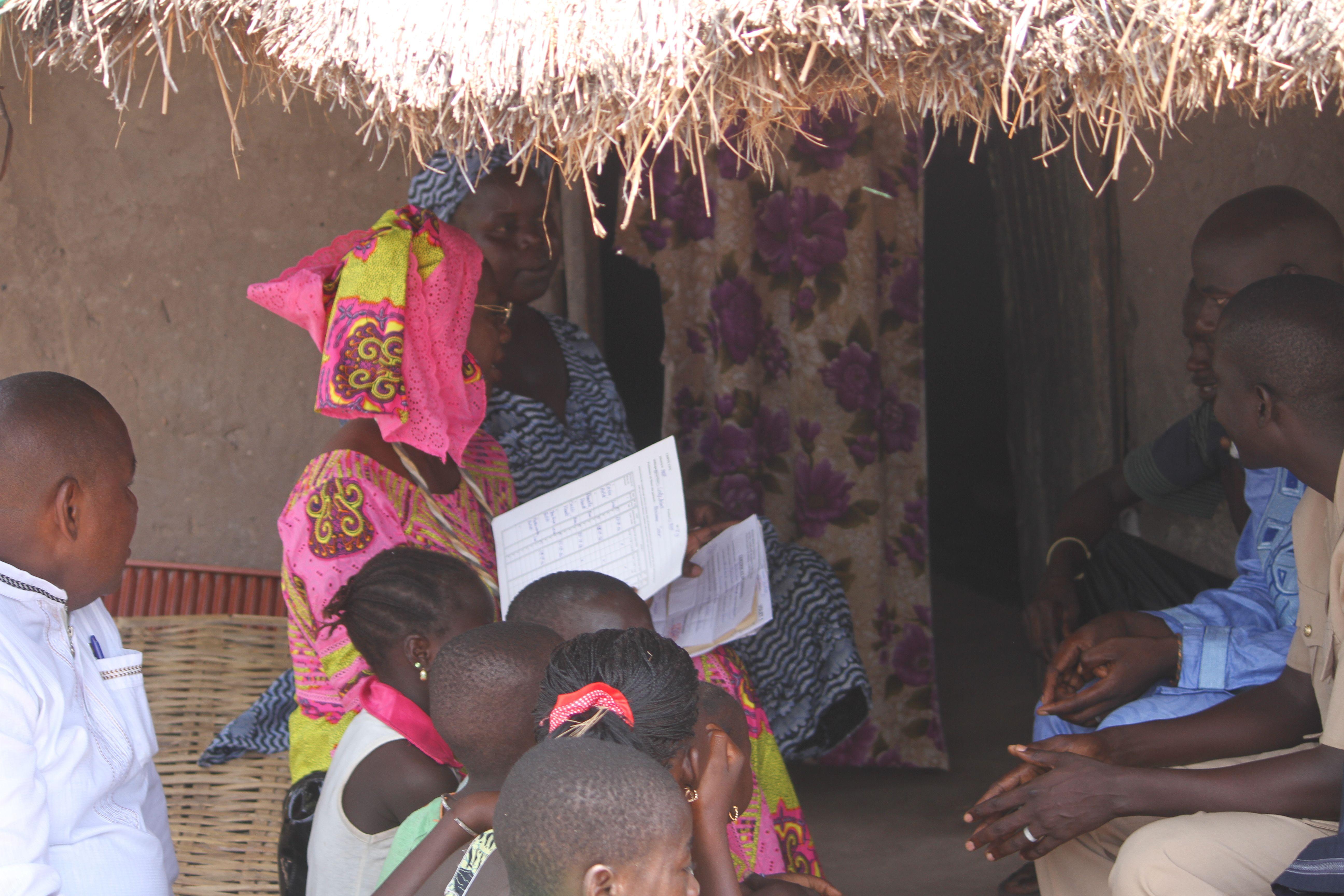 Bourses familiales : Anta Sarr Diacko sonde l'impact des allocations à Medina yoro foula