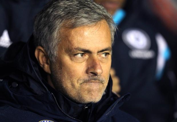 """Chelsea - Mourinho : """"Je ne mérite pas le Ballon d'Or"""""""