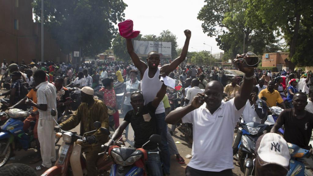 En direct : nouvelle manifestation pour un pouvoir aux mains des civils