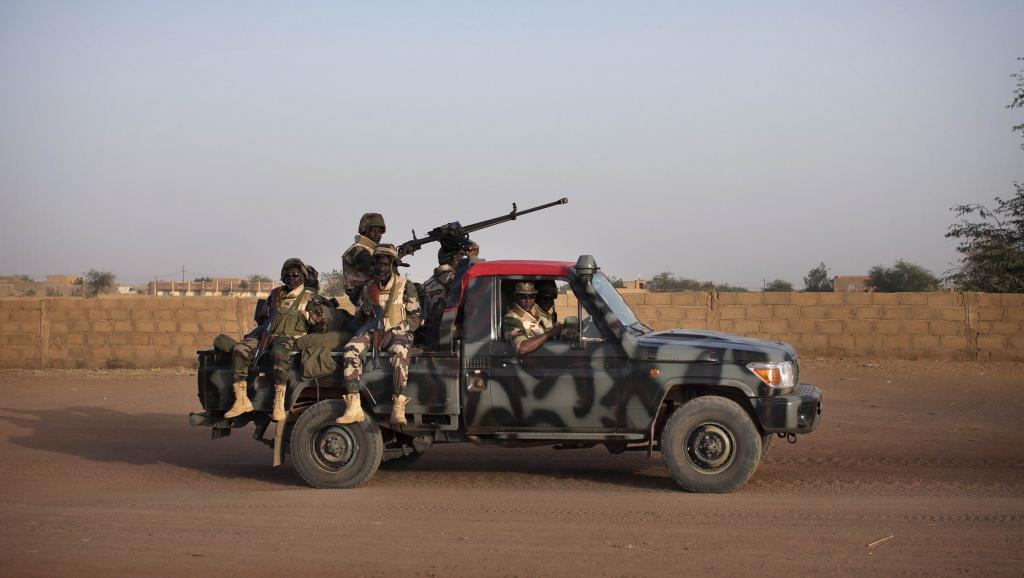 Une patrouille de soldats maliens à Gao, en février 2013. REUTERS/Joe Penney