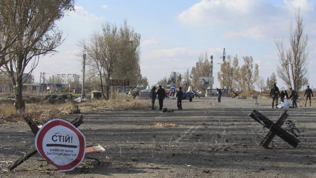 Check-point non loin de Marioupol, le 2 novembre 2014. REUTERS/Nikolai Ryabchenko