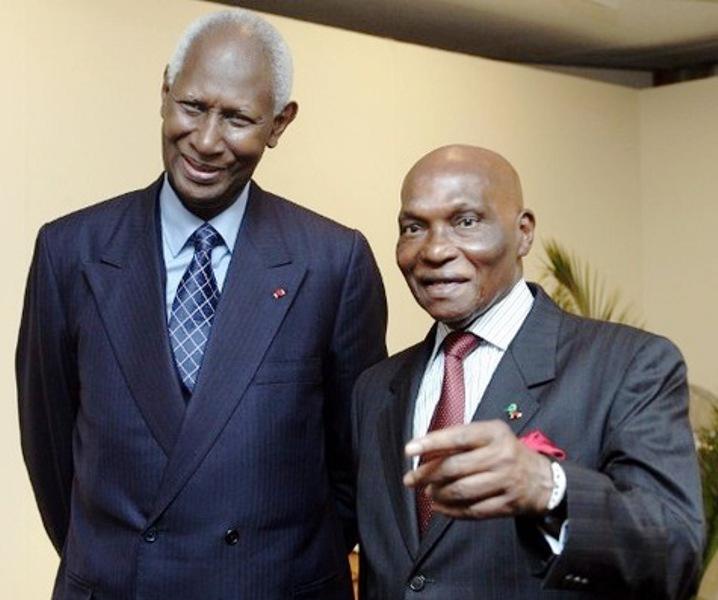 Macky Sall élogieux sur Abdou Diouf et Me Wade mais souffle le feu sur les autres libéraux