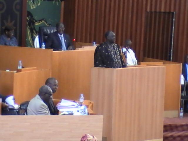 DPG : « Le gouvernement disposé à se présenter devant les députés tous les 15 jours »  promet Mahammed Dionne