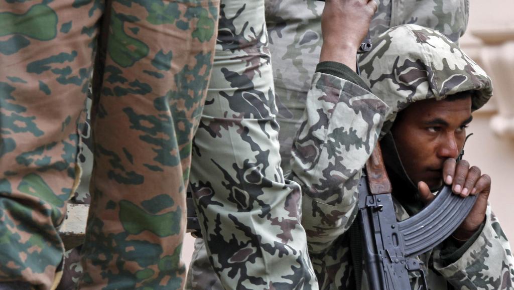 Depuis que l'armée a destitué le président Morsi, les attentats contre les forces de sécurité égyptiennes se sont multipliés. Reuters/Goran Tomasevic