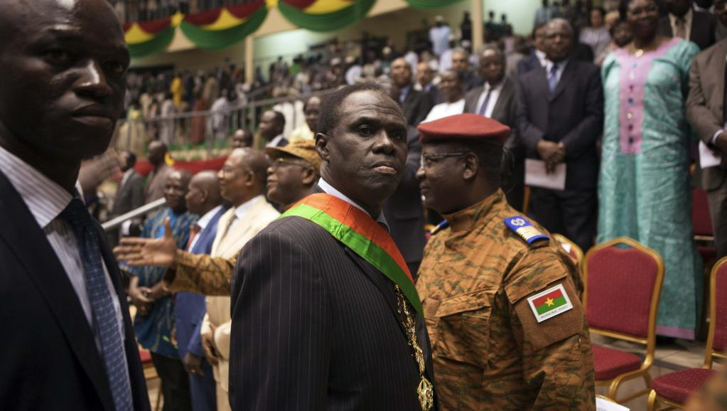 Le président de la transition burkinabè Michel Kafando après sa prestation de serment, le 21 novembre 2014. REUTERS/Joe Penney