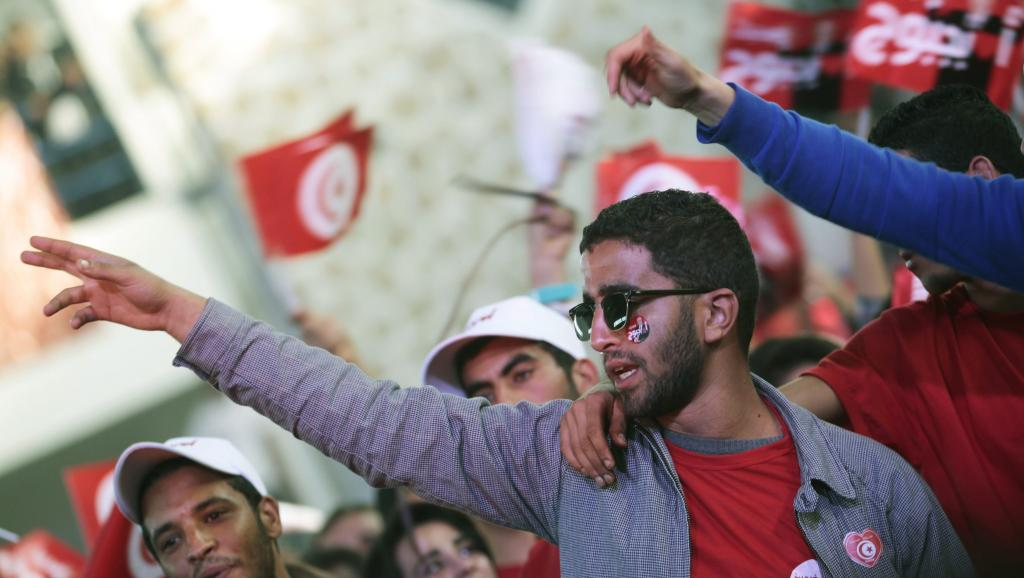 Des partisans du candidat du parti Nida Tounes, Béji Caïd Essebsi pendant la campagne, le 17 novembre 2014 REUTERS/Zoubeir Souissi