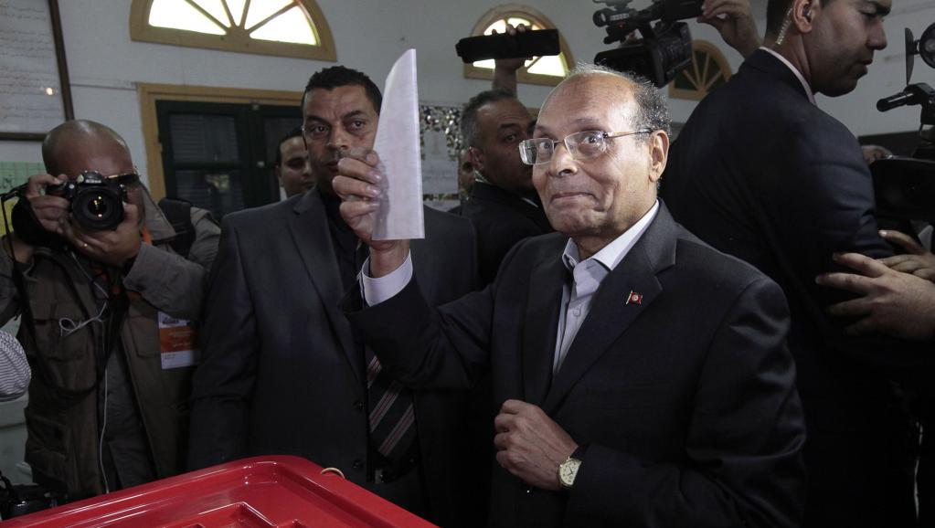 Le président sortant Moncef Marzouki vote à Sousse, le 23 novembre. REUTERS/Anis Mili