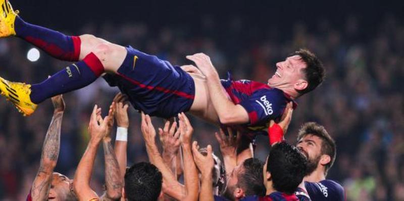Barcelone : Manchester City prêt à mettre 250M€ pour Messi, mais...