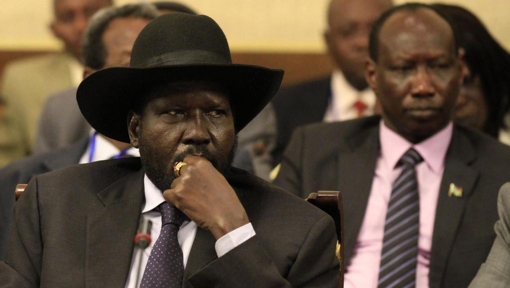 Le président sud-soudanais Salva Kiir (ici, le 13 mars 2014) fait partie des dirigeants qui pourraient être touchés par des sanctions. REUTERS/Tiksa Negeri