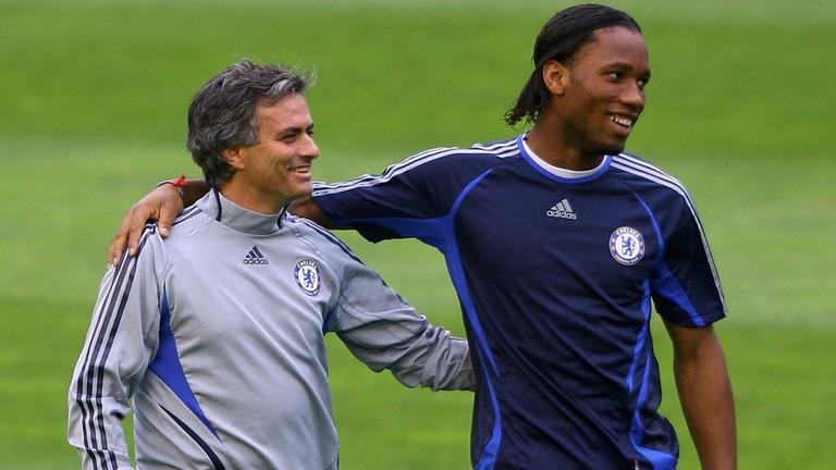 Mourinho sur l'avenir de Drogba à Chelsea : «je veux qu'il reste, le club veut qu'il reste»