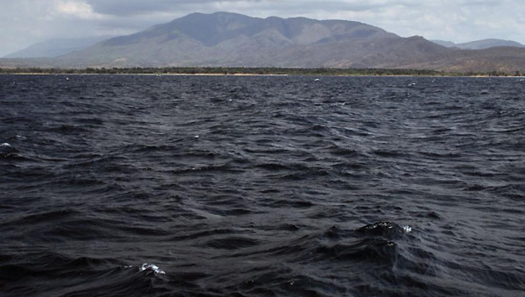 Cumulus sur les monts Mahale (Kungwe) en Tanzanie, vus du lac Tanganyika. wikipedia