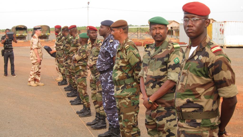 L'opération Barkhane réunit, via un partenariat, les armées française, tchadienne, nigérienne, malienne, mauritanienne et burkinabè. RFI / Olivier Fourt