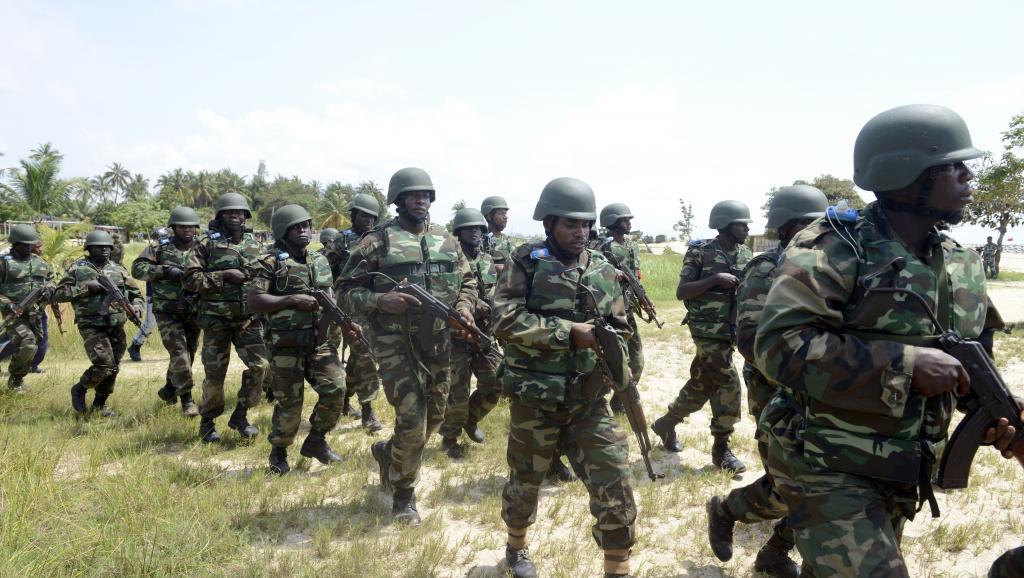 Un exercice conjoint entre l'armée nigériane et américaine à Lagos, le 18 octobre 2013. AFP PHOTO/ PIUS UTOMI EKPEI