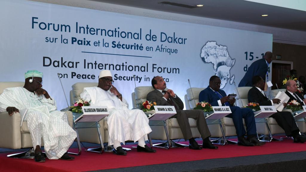 Le forum de Dakar est réussi, mais s'achève sur un échange houleux