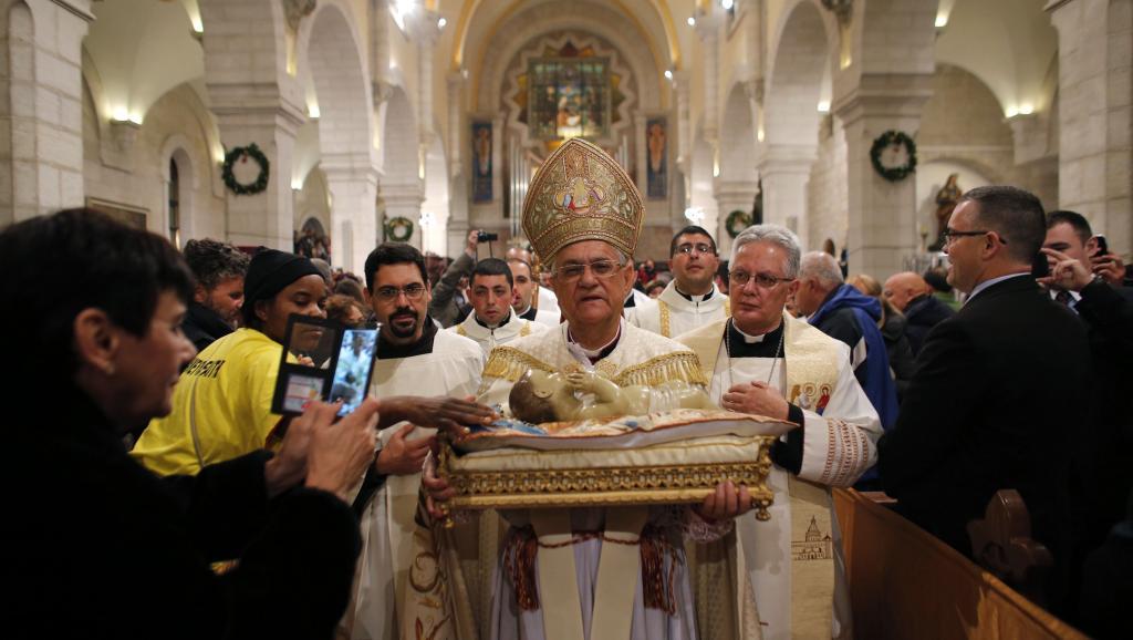 Le patriarche latin de Jérusalem Mgr Fouad Twal, a réclamé la paix au Proche-Orient, 24 décembre 2014, Bethléem. REUTERS/Ammar Awa