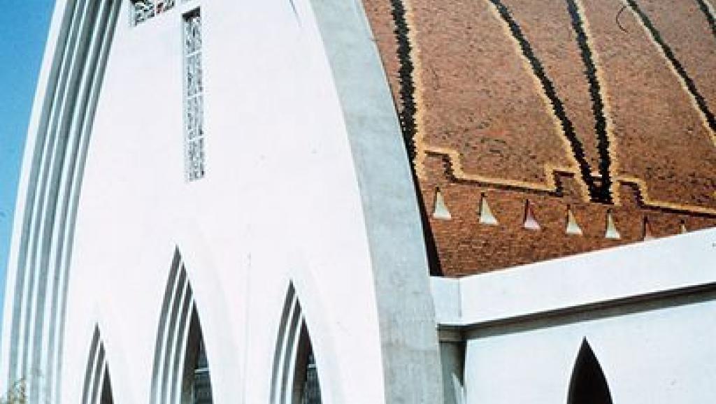 Vue ancienne de la cathédrale de Ndjaména. NOAA Photo Library