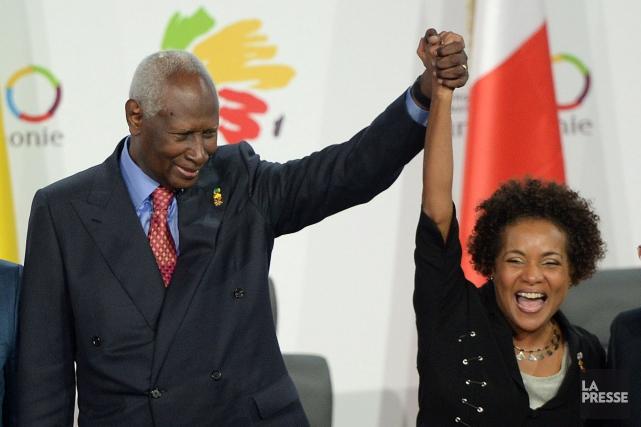 Francophonie : passation de service entre Abdou Diouf et Michaëlle Jean
