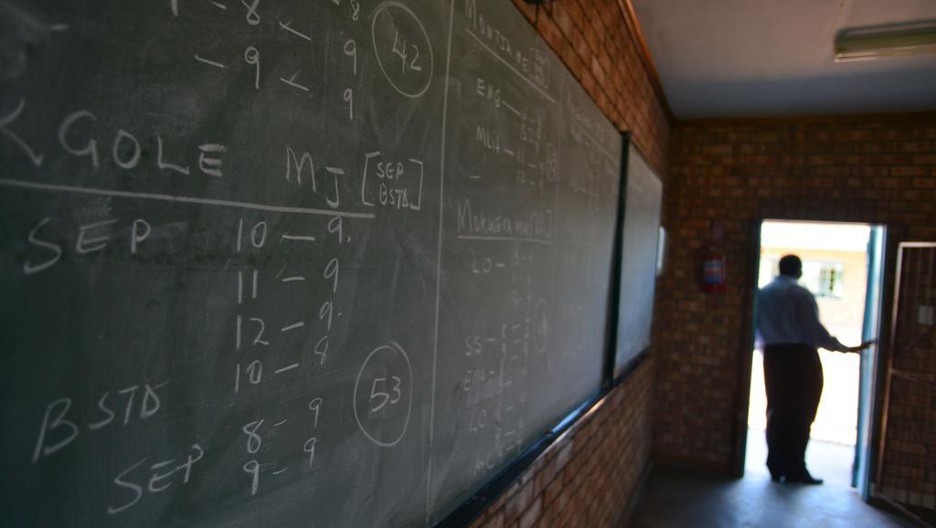 Une salle de classe en Afrique du Sud. AFP PHOTO / MUJAHID SAFODIEN