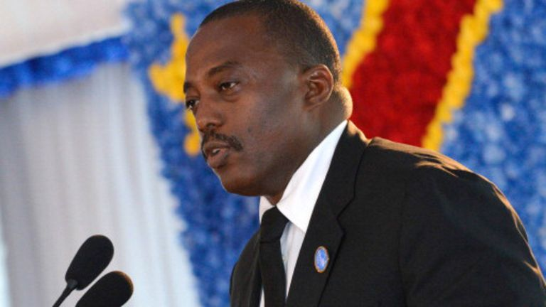 Joseph Kabila est président de la RDC depuis 2001. Il a été élu régulièrement en 2006, puis réélu en 2011.