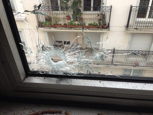 """En direct Paris: Attaque du siège de """"Charlie Hebdo"""", 11 morts dont 2 policiers (Photos)"""