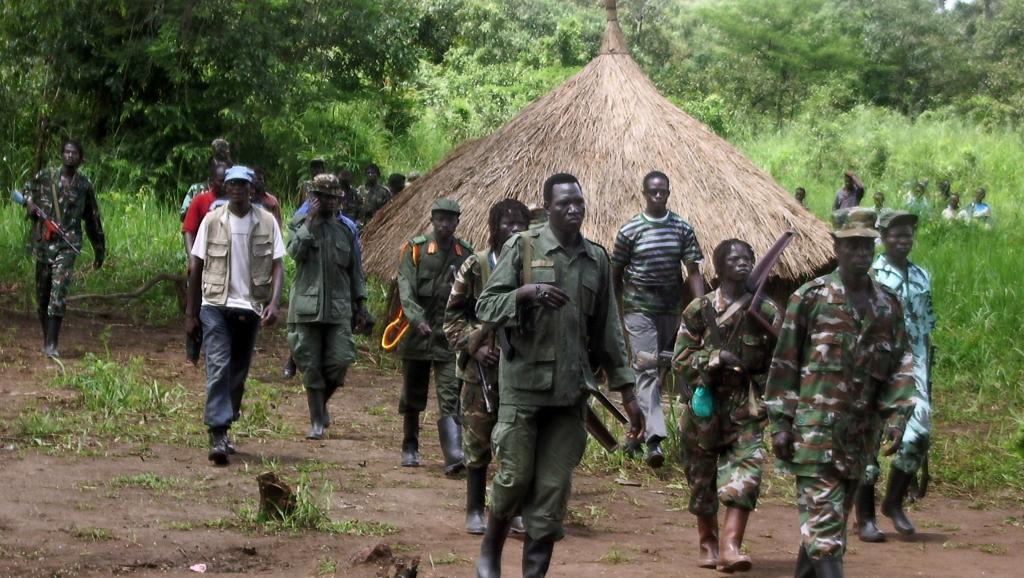 Rebelles de la LRA en septembre 2006 à la frontière entre le Soudan et la RDC. AFP PHOTO/STRINGER