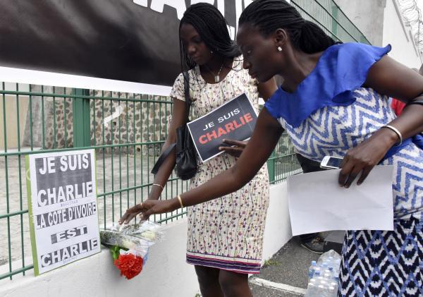 A Abidjan aussi il y avait des Charlie ce dimanche 11 janvier 2015. AFP/Sia Kambou