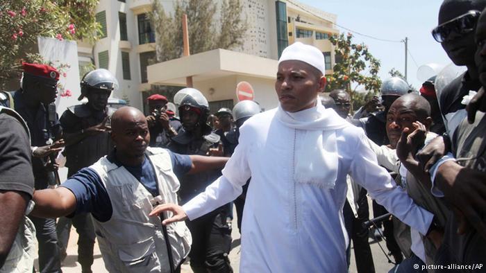 Direct procès de Karim et Cie : Omar Samb dissèque AHS