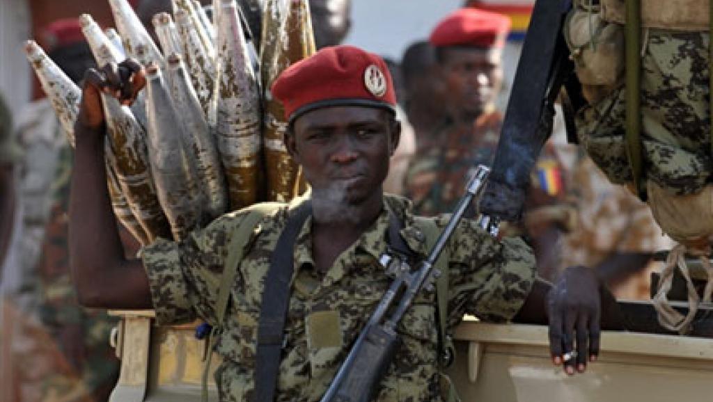 Un soldat de l'armée régulière tchadienne à Ndjamena. AFP