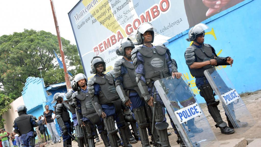 Un important dispositif policier avait été déployé, lundi 12 janvier 2015, alors que l'opposition voulait manifester contre la loi électorale. Une dizaine de personnes ont été blessées. AFP/Papy Mulongo