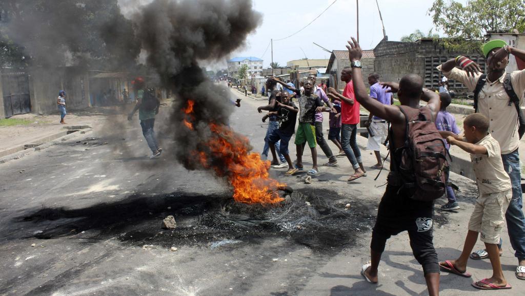 Le bilan des affrontements entre les forces de l'ordre et les manifestants varie de 11 victimes du côté des autorités à plus de 40 plus les ONG. REUTERS/Jean Robert N'Kengo