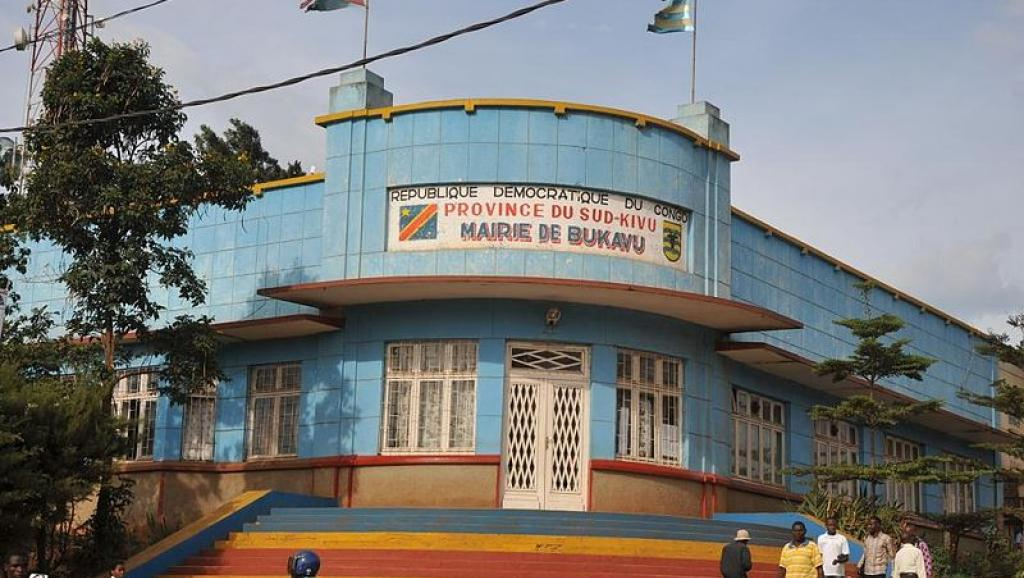La mairie de Bukavu, dans le Sud-Kivu, à l'est de la RDC. La ville a été la proie d'affrontements entre étudiants et forces de l'ordre, ce mercredi 21 janvier 2015. Wikimedia